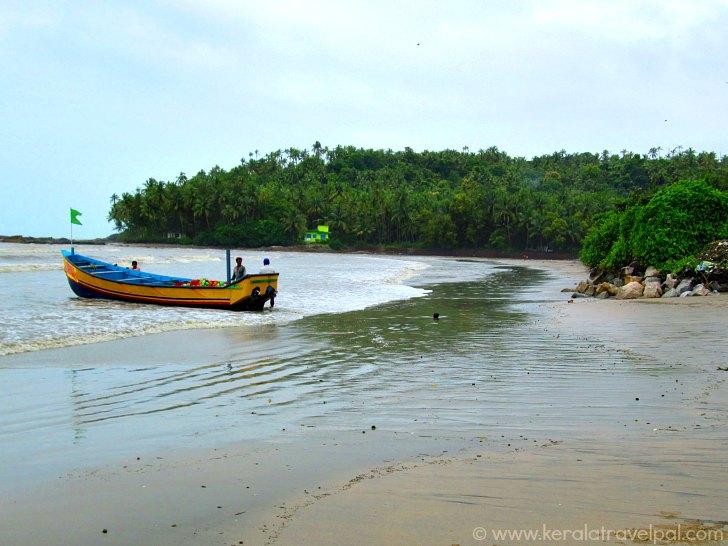 Drive In Beach India |Muzhappilangad Beach |Waytoindia.com